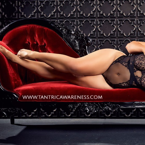 tantric-awareness-lounging-black3